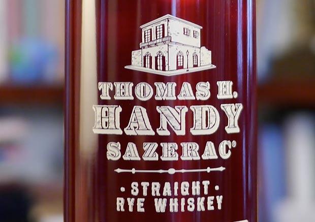 Thomas-Handy-Sazerac-Straight-Rye-Whiskey-2012-Limited-Edition-closeup