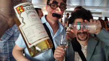 Whisky-Cruise-2015-Bill-and-John-with-Bikram-Singh