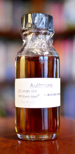 The-Aultmore-Burns-Malt-25-Year-1990-from-The-Whisky-Barrel