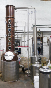 Column-still-at-FEW-Spirits-Distillery