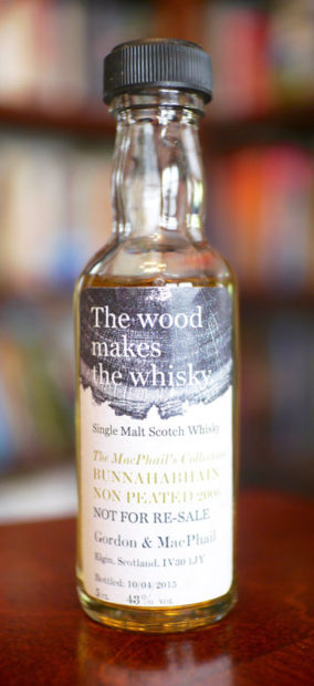 bunnahabhain-2006-2015-gordon-and-macphail-the-wood-makes-the-whisky