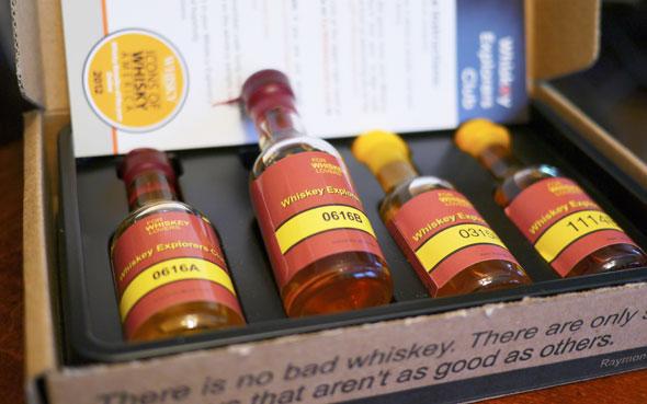 whiskey-explorers-club-packaging